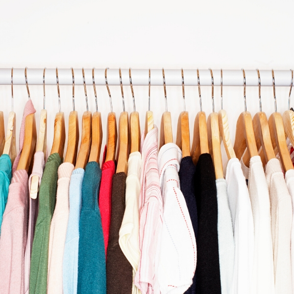 Use a capsule wardrobe to minimize decision making when you're getting dressed  WildflowersAndWanderlust.com