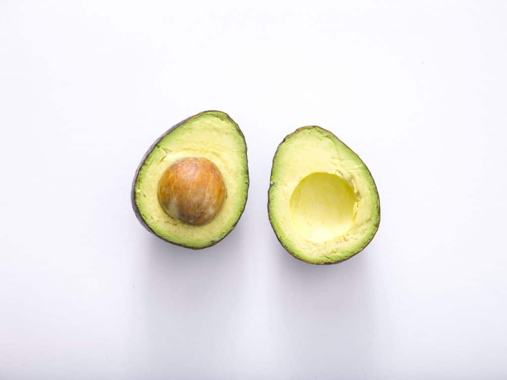 Use Avocado for a face mask to moisturize dry skin | All Natural Moisturizers | WildflowersAndWanderlust.com
