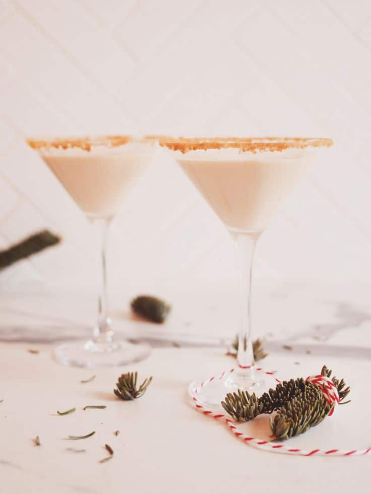 Gingerbread Martini by Kate La Vie featured on WildflowersAndWanderlust.com