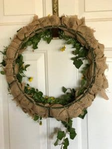 Here's what the back of the wreath looks like once you're finished | WildflowersAndWanderlust.com