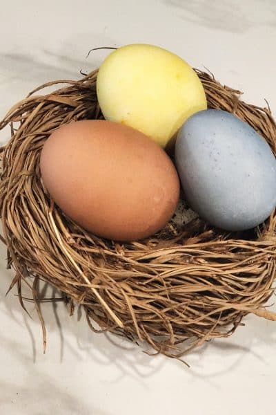 Make Your Own Beautiful Natural Dye Easter Eggs | WildflowersAndWanderlust.com
