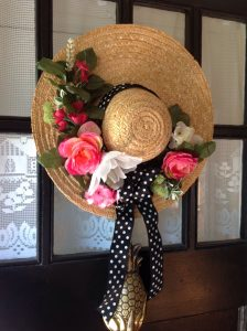 Using a Straw Hat is a great base to use for a spring wreath | WildflowersAndWanderlust.com