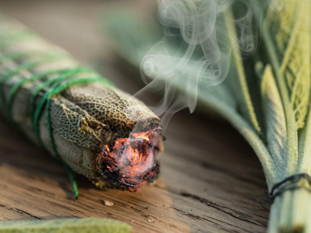 Do you use a sage stick, or smudge stick to cleanse your spaces? Find out how to DIY one | WildflowersAndWanderlust.com