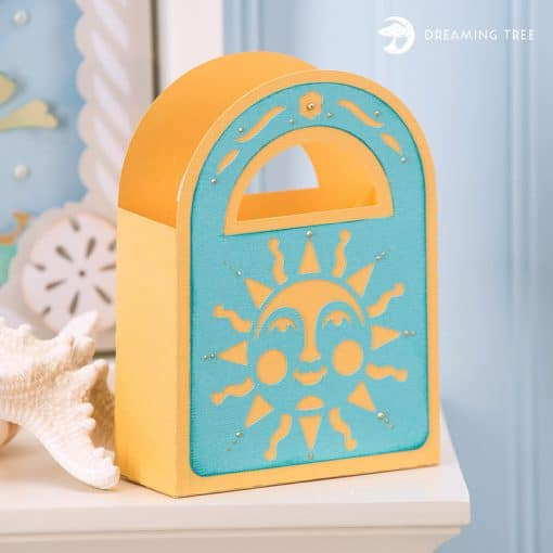 The Sunny Tote is a free SVG cut file by Dreaming Tree featured on WildflowersAndWanderlust.com