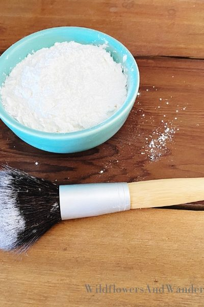 Using a brush to apply your DIY dry shampoo is the best tool WildflowersAndWanderlust.com